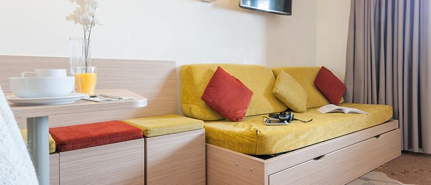 france_portes-du-soleil_avoriaz_electra-apartments_living-area2.jpg